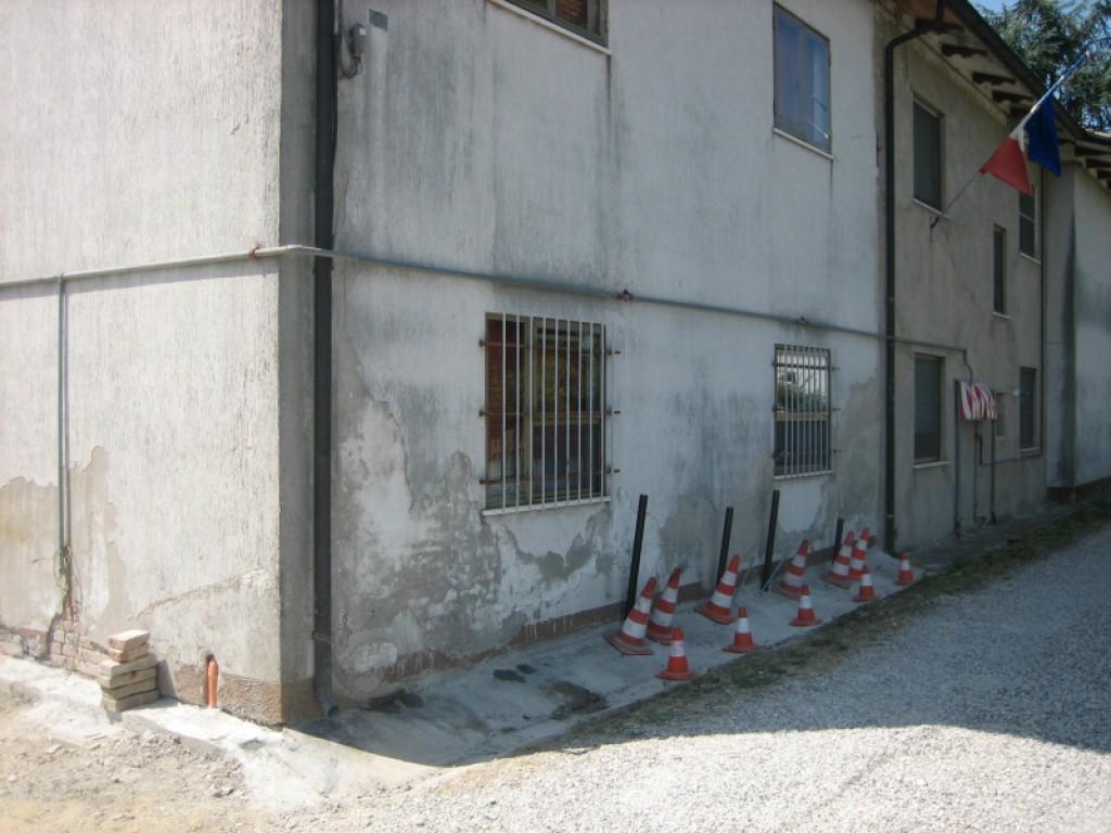 Sehr Fundamentsanierung und -Stabilisierung, Hausanhebung - Novatek OM75